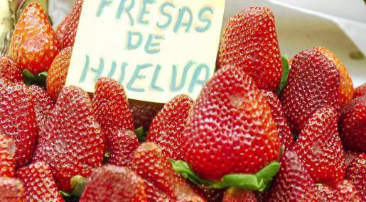 Las fresas son muy apreciadas por su sabor y porque evocan el inicio de la primavera. Foto: TONI ESCOBAR
