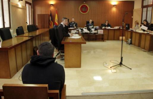 El acusado, en el banquillo de los acusados.
