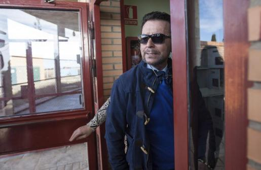 El diestro Ortega Cano, a su entrada en la cárcel de Zuera (Zaragoza), a donde ha regresado tras disfrutar de su segundo permiso penitenciario.
