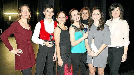 Blanca Fayas, Adrián Morcillo, Neus Picó, Olivia Blanch, María Verd, Malen Sabater y Catalina Sebastià.
