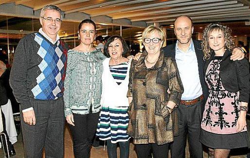 José Antonio Calderón, Esther González, Socorro Carbonell, Margarita Riutort, Chema Solera y Teresa Villar.