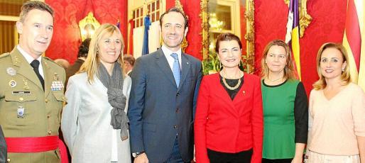 Fernando Aznar, Teresa Palmer, José Ramón Bauzá, Margalida Duran, María Salom y Mabel Cabrer.