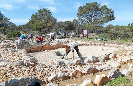Imagen de los trabajos arqueológicos que se están realizando en el yacimiento de es Cap de Barbaria en Formentera.