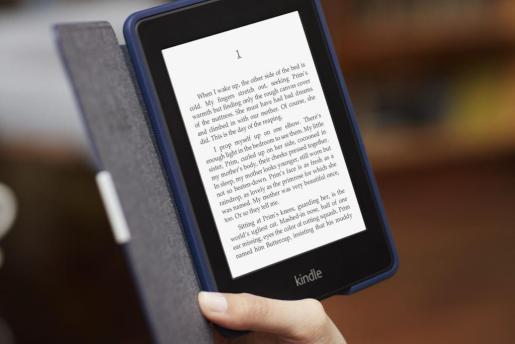Un libro electrónico Kindle, de Amazon.