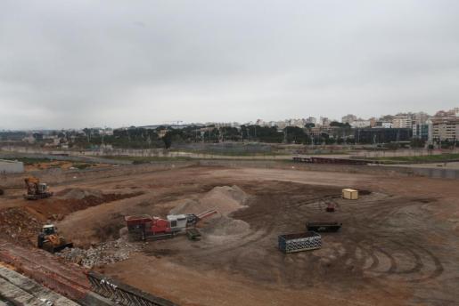 El progreso de demolición del Estadio Lluís Sitjar está, según Cort, en un 80 por ciento.