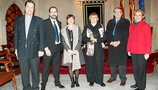 Antonio Alcover, Antonio Fenández-Coca, Francisca Lladó, Neus García-Inhiesta, Daniel Samaniego y Lourdes Vaedken.