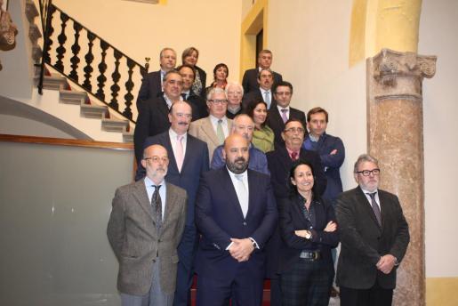 El conseller de Turisme Jaime Martínez se ha reunido con un grupo de representantes del sector turístico.