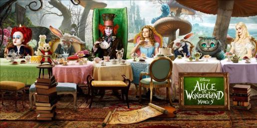 Imagen promocional de la adaptación cinematográfica de Tim Burton de 'Alicia en el país de las maravillas'.