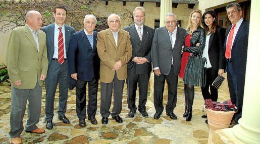 Mallorquinistas. De izquierda a derecha: Ángel Bolao, Toni Tugores, Julià Mir, Joan Forteza, Utz Claassen, Pere A. Serra, Yolanda García, Isabel Molina y Antoni Oliver.
