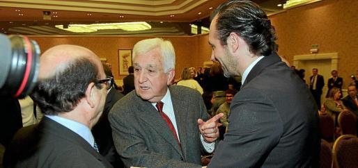 Gabriel Cañellas junto a José Ramón Bauzá.