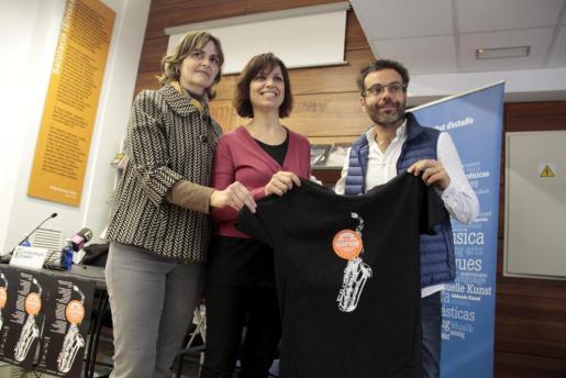 Catalina Pons Estel, Tete Matas y Rodrigo Vila durante la presentación del Mallorca Saxofone Festival.