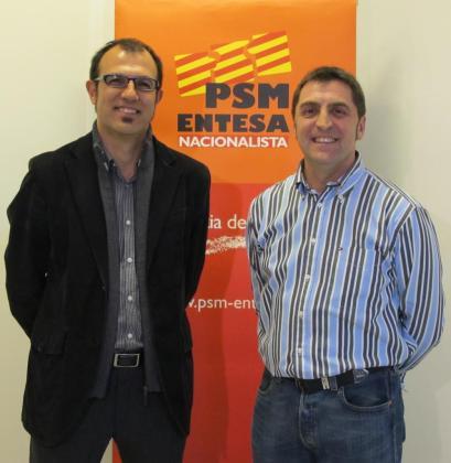 Biel Barceló y Joan Servera durante la presentación del segundo como candidato de MÉS a la alcaldía de Lloseta.