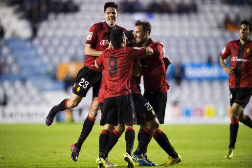 Jugadores del Mallorca celebrando el gol del empate ante el Sabadell, el pasado mes de marzo.