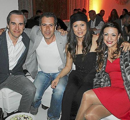 Beltrán Álvarez de Estrada, Peter Estebe, Valeria Alves y Johana Cavalcanti.
