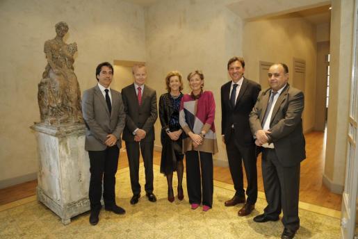 César Pacheco, el embajador Pierre Labouverie, María José Barceló, la cónsul honoraria belga Chantal Jourdain, el alcalde Mateo Isern y el decano del cuerpo consular en Balears Mohhamed Harit.