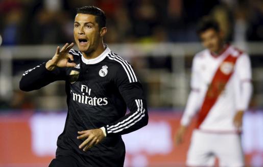 Ronaldo celebra un gol ante el Rayo Vallecano.