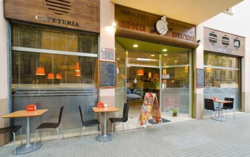 El Racó de la Bona Cuina está junto a la Plaça d'Espanya.