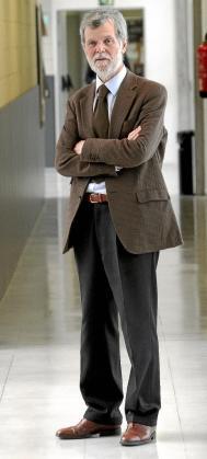 Garofoli es profesor en la universidad de Insubria, en Italia.