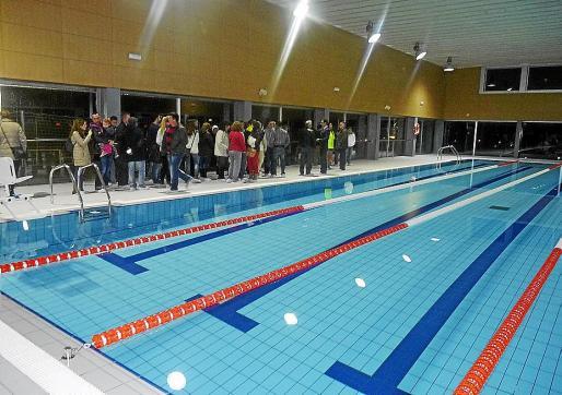 La piscina del polideportivo fue inaugurada a principios de 2013 con gestión privada.