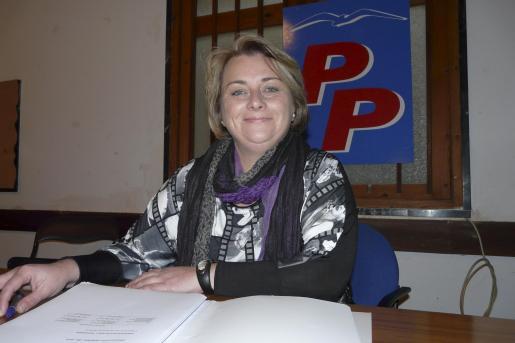 Margalida Ginard, en la sede del PP de Campos.