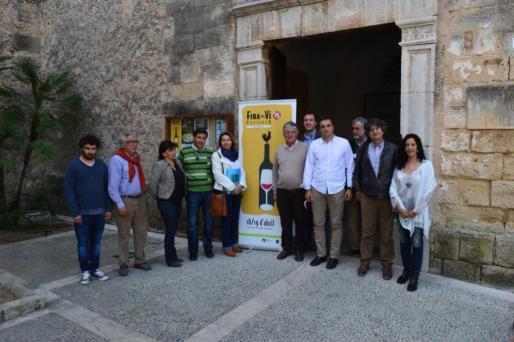 El acto de presentación de la Fira del Vi de Pollença ha tenido lugar ante el claustro de Sant Domingo.