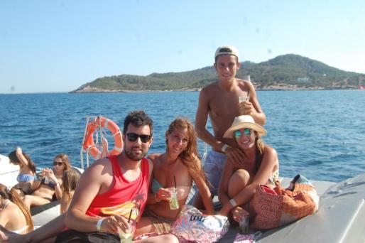 Party boat en Ibiza.