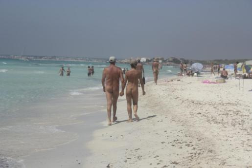 Nudismo en la playa de Es Trenc