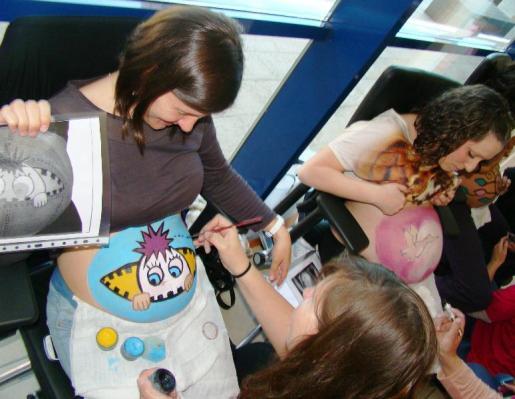 Imagen de uno de los talleres realizados en las Jornadas de Salut de la Dona i la Família.