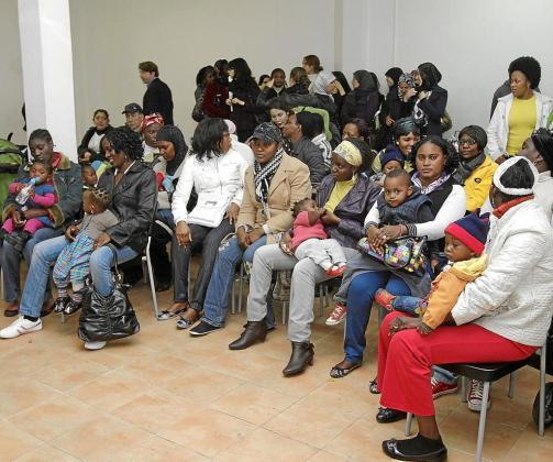 Un grupo de inmigrantes asiste a unos cursos de formación laboral en Palma.