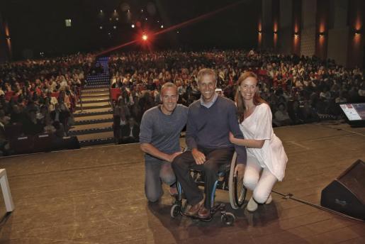 Los tres protagonistas de Lo que de verdad importa, Àlex Corretja, Jorge Font y Carmen Cordó.
