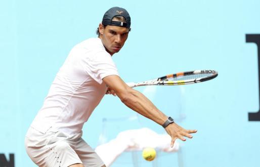 El español Rafa Nadal, número cuatro en la clasificación de la ATP, durante un entrenamiento en la Caja Mágica.