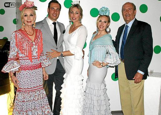Concha Gómez, Arturo López Gómez, Blanca Covas, Leti Lope y Arturo Lope.
