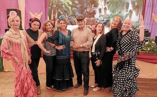 Conchi Gómez, Mª Ángeles Gutiérrez, Manuela Corvo, Inma Martínez, Raúl Izquierdo, Gela de los Reyes, Águeda Ropero y Pirjo de Suárez.