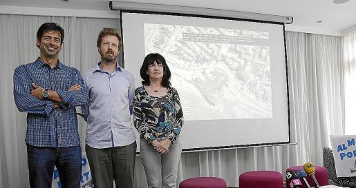 Pedro Martínez, Tomeu Duran y Àngels Fermoselle presentaron el proyecto para ampliar el paseo peatonal del Molinar.