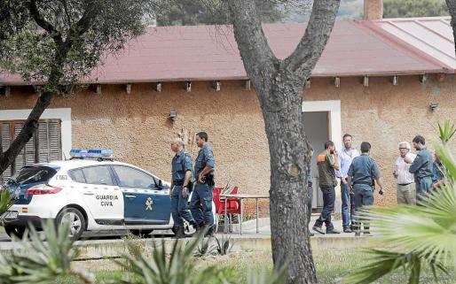 La Guardia Civil, Policía Local y Protección Civil, apoyados por el helicóptero de la Benemérita, montaron este martes un gran dispositivo de búsqueda en sa Coma.
