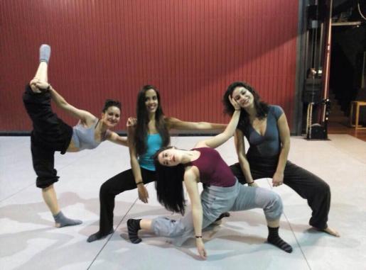 Las bailarinas de 'Mujeres en otro idioma'.