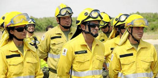 Imagen de un grupo de trabajadores del Ibanat perteneciente al colectivo llamado de 'incendios'.