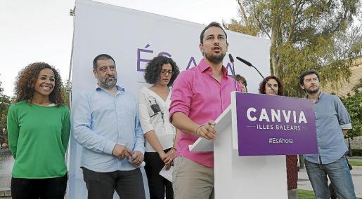 Miquel Comas, el candidato de la marca con la que Podem se presenta a Cort, Som Palma, protagonizó el primer mitin de esta campaña. Fue en Sa Fexina y sirvió para difundir las líneas generales del programa.