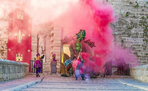 Un dragón recorrerá la feria durante los cuatro días. Foto: TONI ESCOBAR