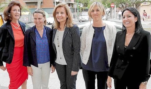 Carmen Planas, Maria Salom, Fátima Báñez, Teresa Palmer e Inma Benito.