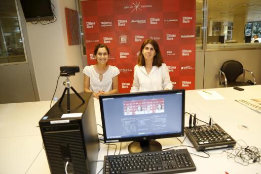 Natalia Prieto junto a Ángela Moreda, jefa de sección de Ultimahora.es.