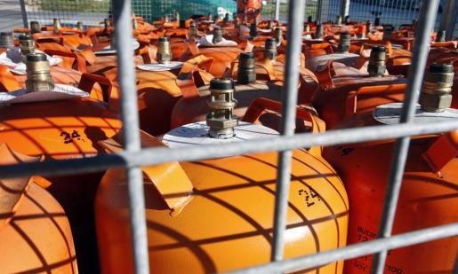 El Boletín Oficial del Estado (BOE) publica este lunes la orden de Industria por la que se actualizan los precios de los gases licuados del petróleo envasados (butano y propano).