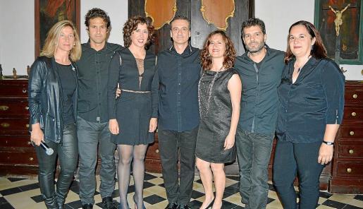 Esther Barceló, Guillem Ramon, Sofia Domènech, Santiago Francia, Carol Domènech, Joaquim Domènech y Begoña de la Iglesia.
