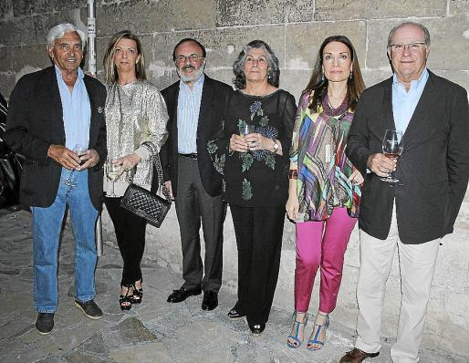 Juan Carlos Rodríguez, Jepi Corró, Toni Rivera, Isabel Bour, Mar Arias y Miguel Puigserver.