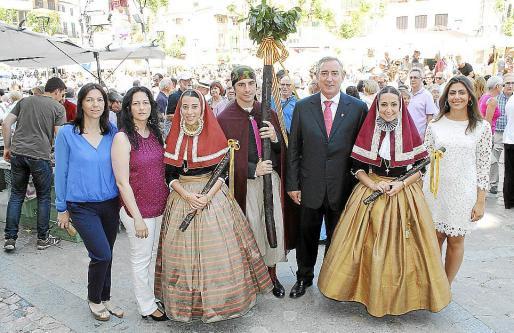 Caty Pomar, Mar Castañer, Aina Nigorra, Josep Forteza, Carlos Simarro, Aída Pons y Andrea Pomar.