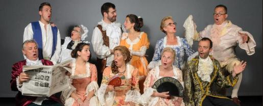 Fotografía de los actores de 'Dones sàvies'.