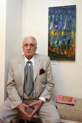 Miguel Ángel Menassa inauguró una exposición. Foto: DANIEL ESPINOSA