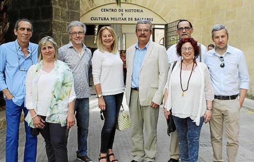 Emilio Maraver, Cati Gelabert Niell, Luis Maraver, Águeda Ropero, Teodoro Pou, Malena Tous, Miquel Salas y Fran Reus.