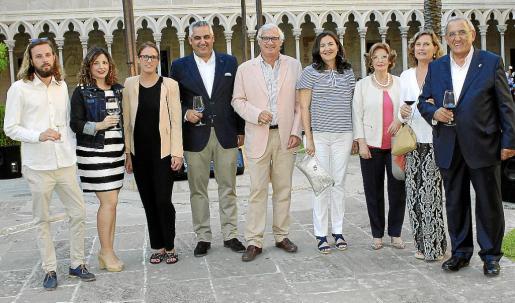 Josep Roses, Margaret Mercadal, María Roses, Toni Mercadal, Josep Lluís Roses Ferrer, Gloria Rosillo, Marga Camps, Sarah Lambourne y Pedro Mercadal.