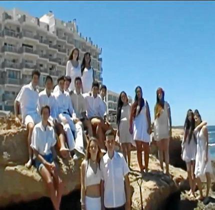 El vídeo ha sido dirigido, rodado, protagonizado por los alumnos de 4º de ESO de este colegio de Sant Antoni.